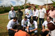 Autoridades municipais plantam árvores no parque JK
