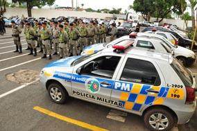 Policiais Militares receberam instruções no pátio do Quarto Batalhão