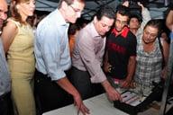 Prefeito Antônio Gomide e Governador Marconi Perillo acionando o equipamento do show pirotécnico