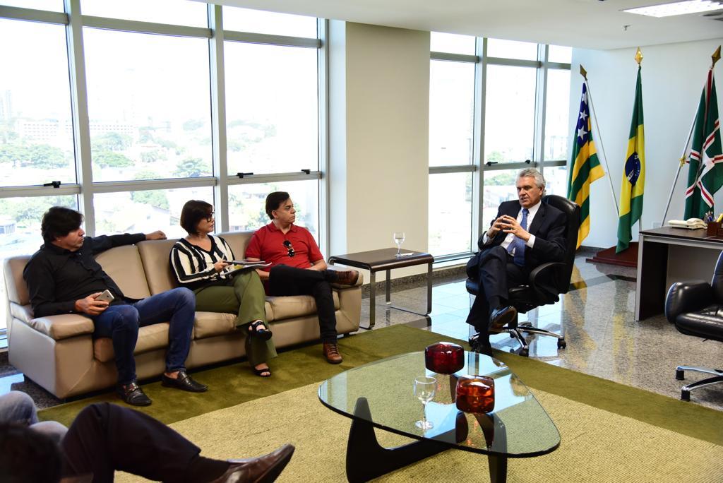 O cantor sertanejo aceitou o convite do governador Ronaldo Caiado