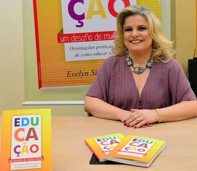 Evelin Silveira psicopedagoga e escritora