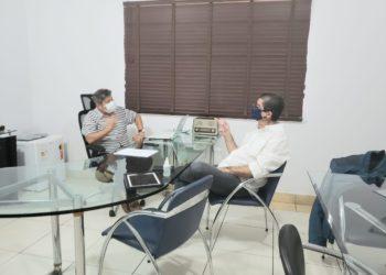 O diretor do jornal Contexto, Vander Lúcio Barbosa e o Brigadeiro Bragança têm o Rotary como uma paixão em comum. O jornalista foi presidente da ONG em Anápolis por duas ocasiões. O militar terá a sua primeira experiência este ano