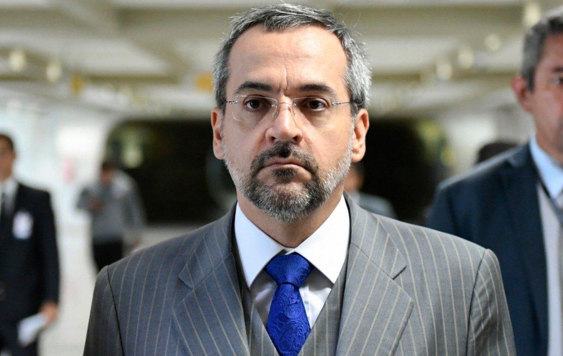 Ministro da Educação diz ter mudado de ideia depois que o tema ganhou relevância