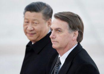 O presidente brasileiro Jair Bolsonaro e o presidente Xi Jinping, da China (Foto: Jason Lee/Reuters)