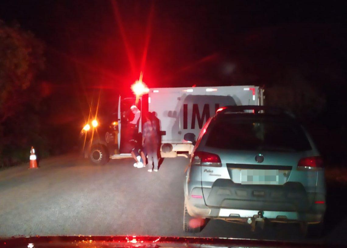 Acidente entre carro do prefeito de Pirenópolis e moto acaba com uma pessoa morta (Foto: divulgação/PC)