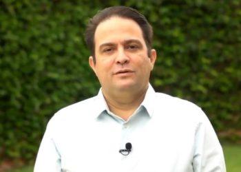 Roberto Naves, em foto divulgada durante a campanha. (Foto: Reprodução/Facebook)