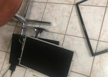 Monitor destruído (Foto: Reprodução/ Internet)