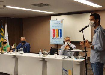 Gúbio Dias, na reunião com a diretoria do  Rotary DAIA
