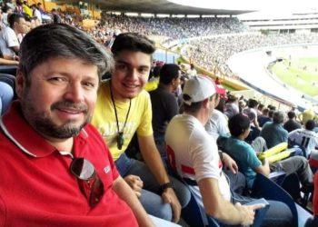 O jornalista Vander Lúcio Barbosa é torcedor da Associação Atlética Anapolina e foi Diretor de Marketing do Anápolis Futebol Clube em 2012 e 2013 como voluntário.