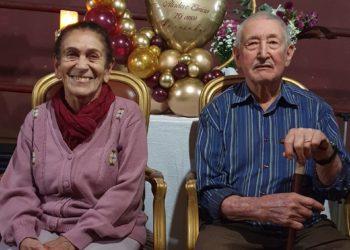 Quando se casaram, tinham 21 e 20 anos. Foram morar juntos e permanecem na mesma casa, numa fazenda no Daia, desde 1951