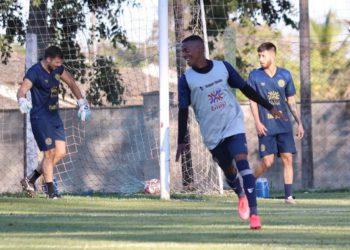 Aparecidense irá enfrentar o Goianésia pela 3ª vez na temporada (Foto: Comunicação/Aparecidense)