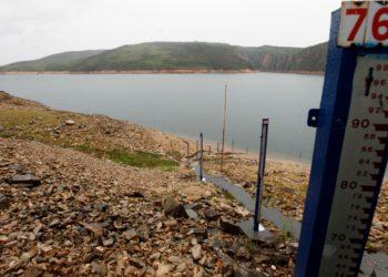 Com a redução do nível dos reservatórios de água, a conta de energia ficou mais cara para o consumidor (Foto: Internet)