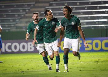 Bruno Mezenga anotou um dos três gols do Goiás (Foto: Comunicação/GEC)
