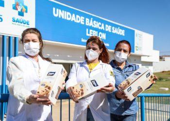 A ação faz parte do programa Voluntários do Coração e beneficiou algumas unidades de saúde da cidade