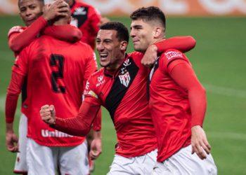 Dragão chega embalado após vitória diante do lanterna Grêmio, fora de casa (Foto: Comunicação/ACG)