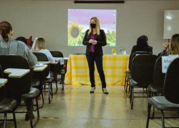 A Secretária Municipal de Educação, Eerizânia Freitas está à frente das medidas e treinamento necessário para receber os alunos no próximo dia 9 de agosto.