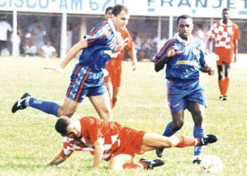 Anapolina em duelo contra o São Caetano. Clube paulista foi algoz dos anapolinos (Foto: Weimer Carvalho)