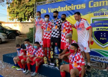 Equipe de Anápolis ficou com a prata no sub-7 e no sub-17 (Foto: Divulgação/FGFS)